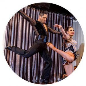 « Je suis très honoré d'avoir été invité au FIDMTL pour présenter les dessous de la danse latine par le projet documentaire ainsi que de participer à L'expérience intime et aux Spectacles ambulatoires. FIDMTL c'est un vent de fraicheur pour la danse dans cet automne un peu gris. » -Carlos Alejandro Martinez